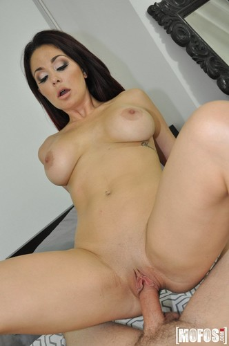 Lets Try Anal: Brooke Beretta - Butt Plug Collection Inspires Anal (1080p)
