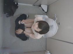 【盗撮 】某有名大学女性洗面所 Season 2 vol.73 お嬢さんの放nyou完全密着!後編