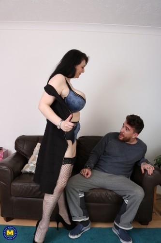 Sabrina Jade (EU) (50) - British big breasted housewife doing her toyboy