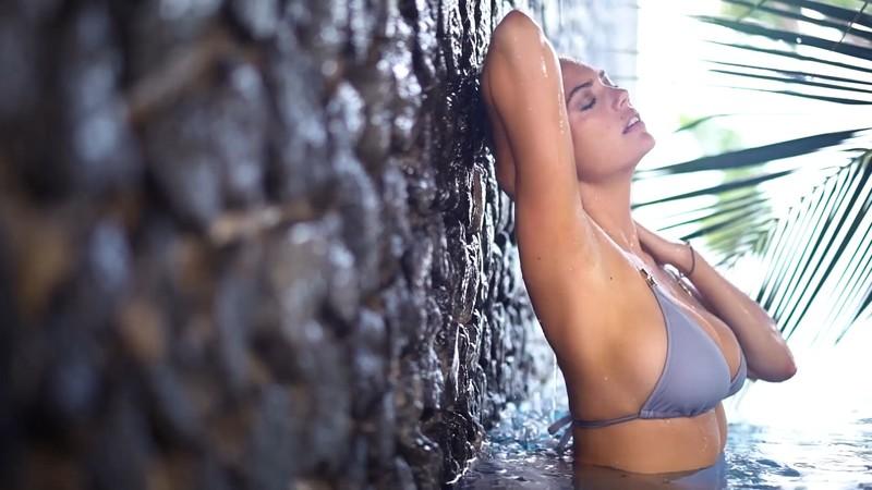 Kate Upton Sizzles In Bikini Intimates Sports Let Me Jerk 1